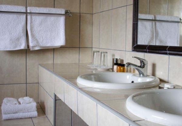 pastels room bathroom
