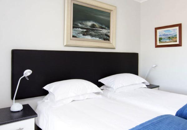 sea scapes room monte video guest house beds